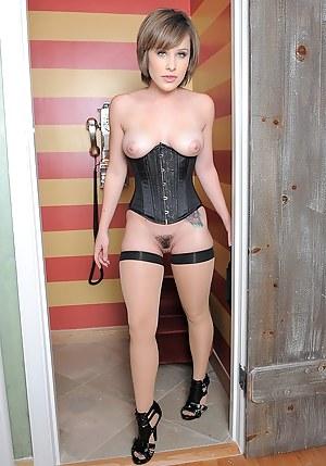 Nude Teen Corset Porn Pictures
