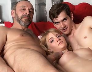Nude Teen Cumshot Porn Pictures