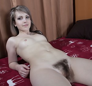 Nude Teen Hairy Pussy Porn Pictures