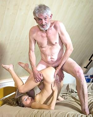 Nude Teen Bizarre Porn Pictures