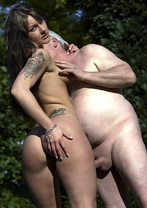 Nude Teen Outdoor Porn Pictures